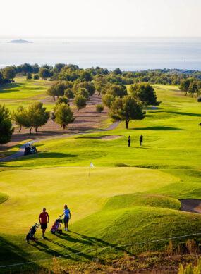 golf de Frégate avec joueurs